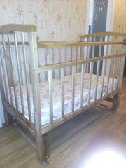 продам детскую,  деревянную кроватку,  б/у,  450000 руб
